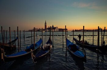evening gondola ride venice