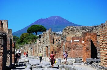 mount vesuvius tour
