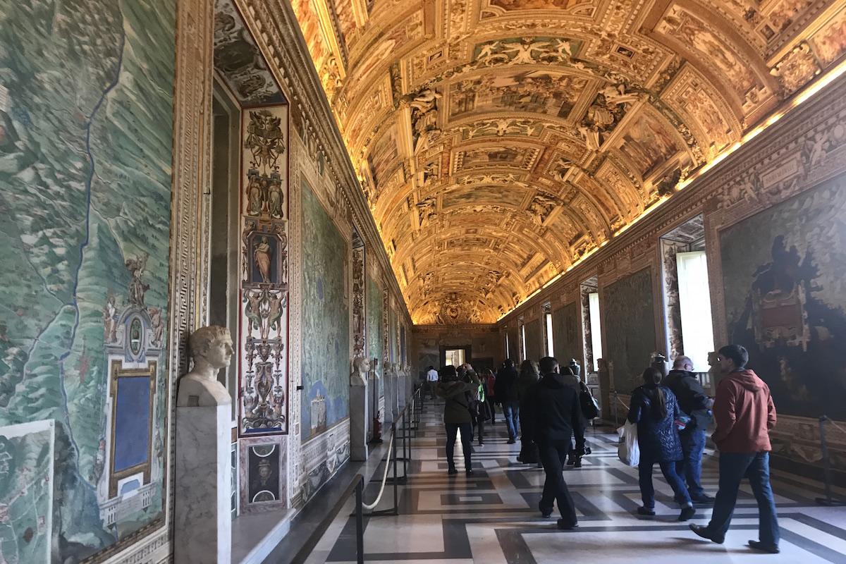 vatican & sistine chapel tour livtours
