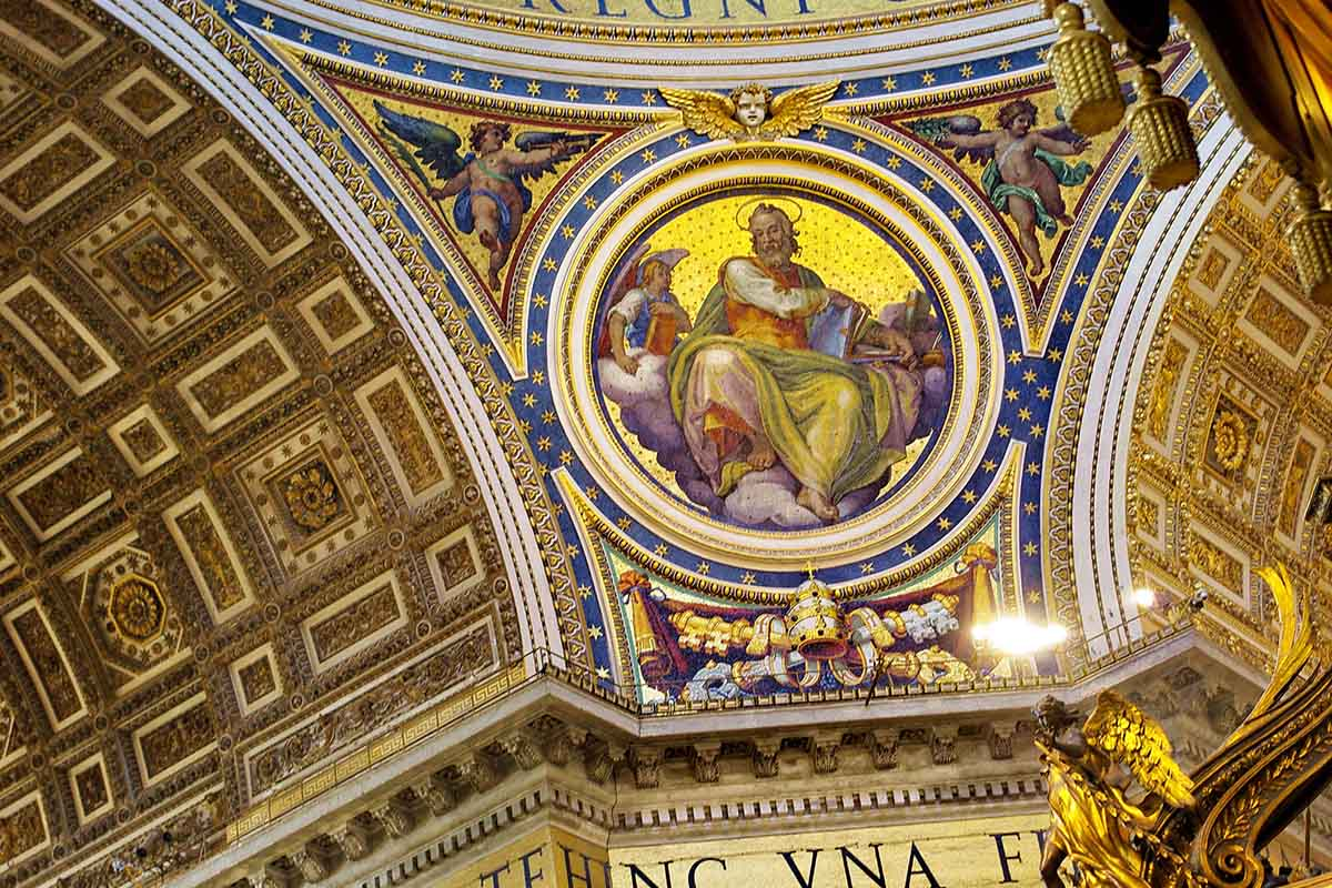 Early morning St Peters Basilica tour
