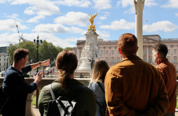 Westminster City Tour with Changing of the Guard LivTours
