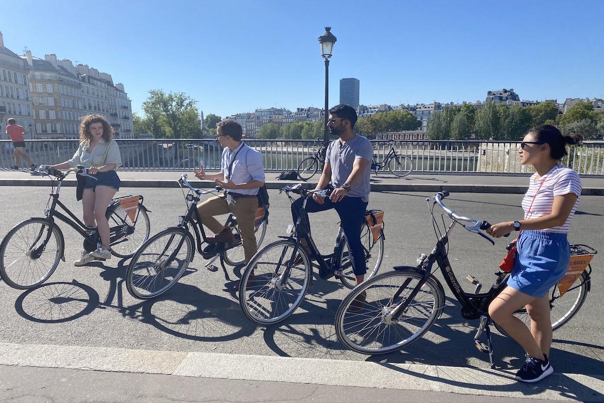 paris bike tour livtours