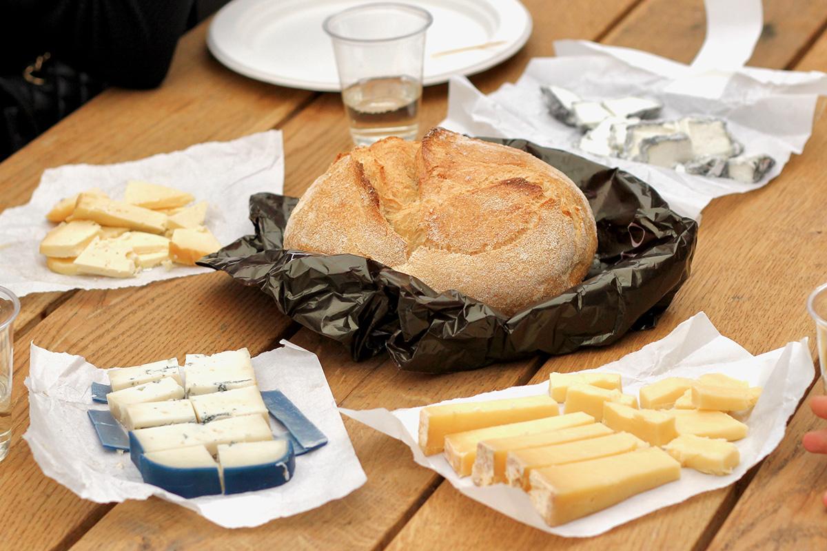 Borough market food tour tour Livtours