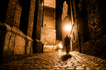 Dark Past of London Walking Tour LivTours