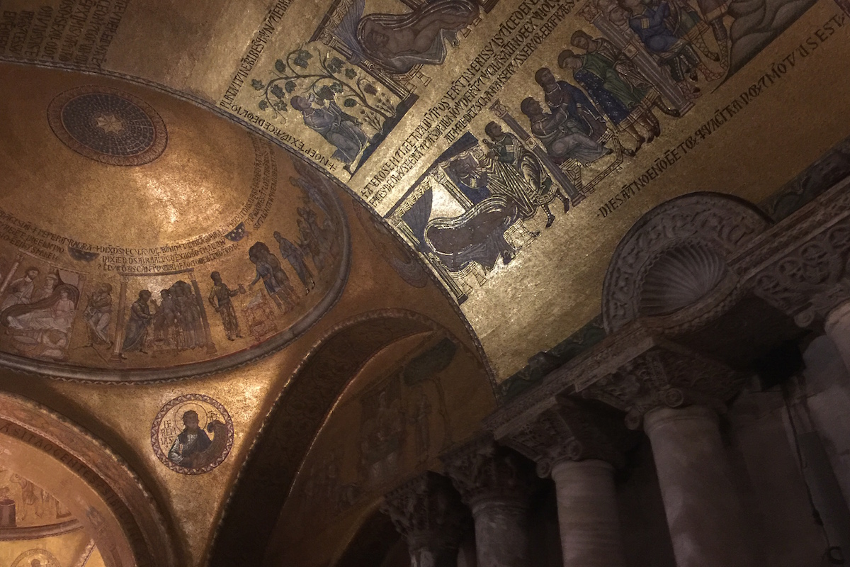st mark's basilica tour at night