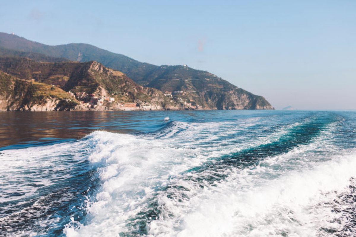 cinque terre boat tour livtours