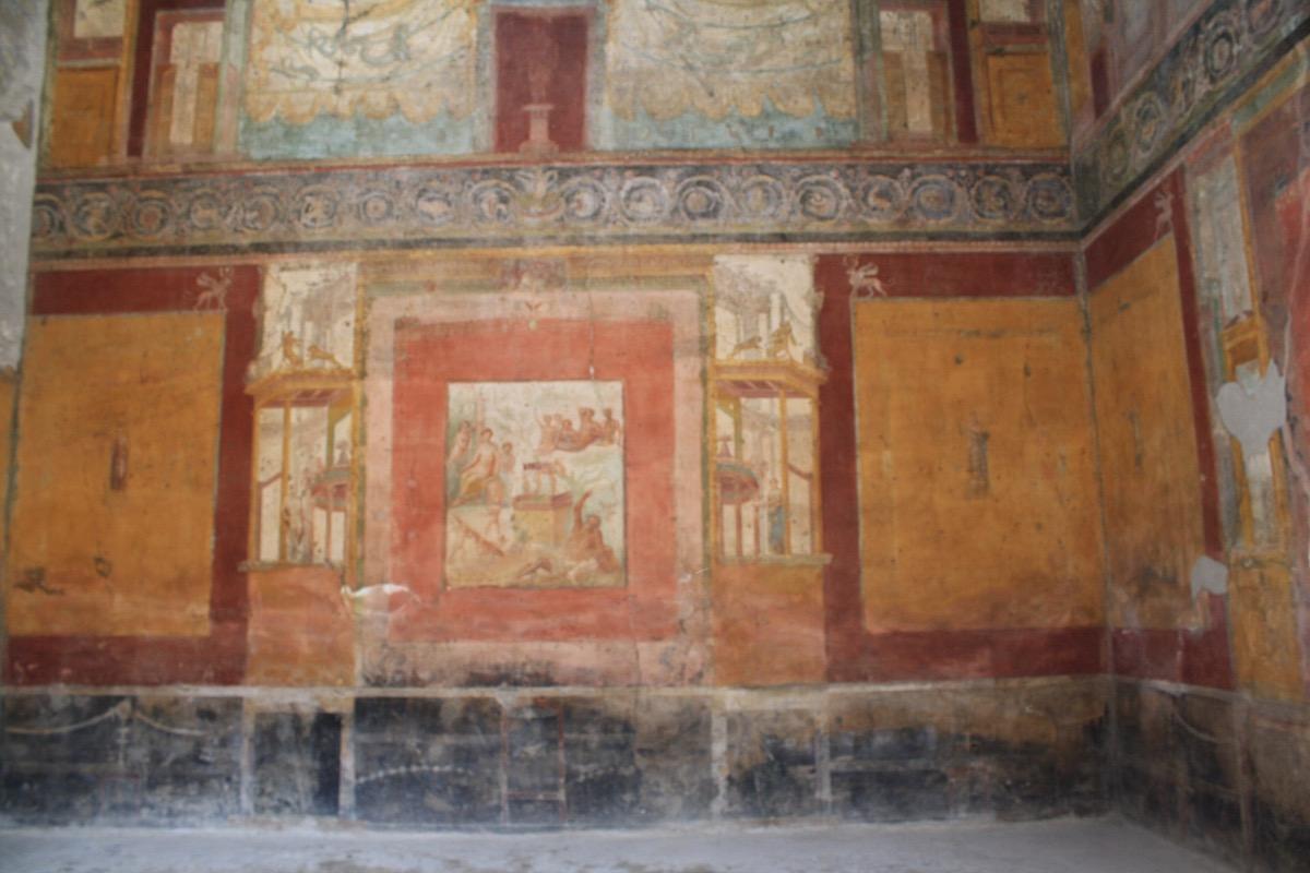 naples port to pompeii